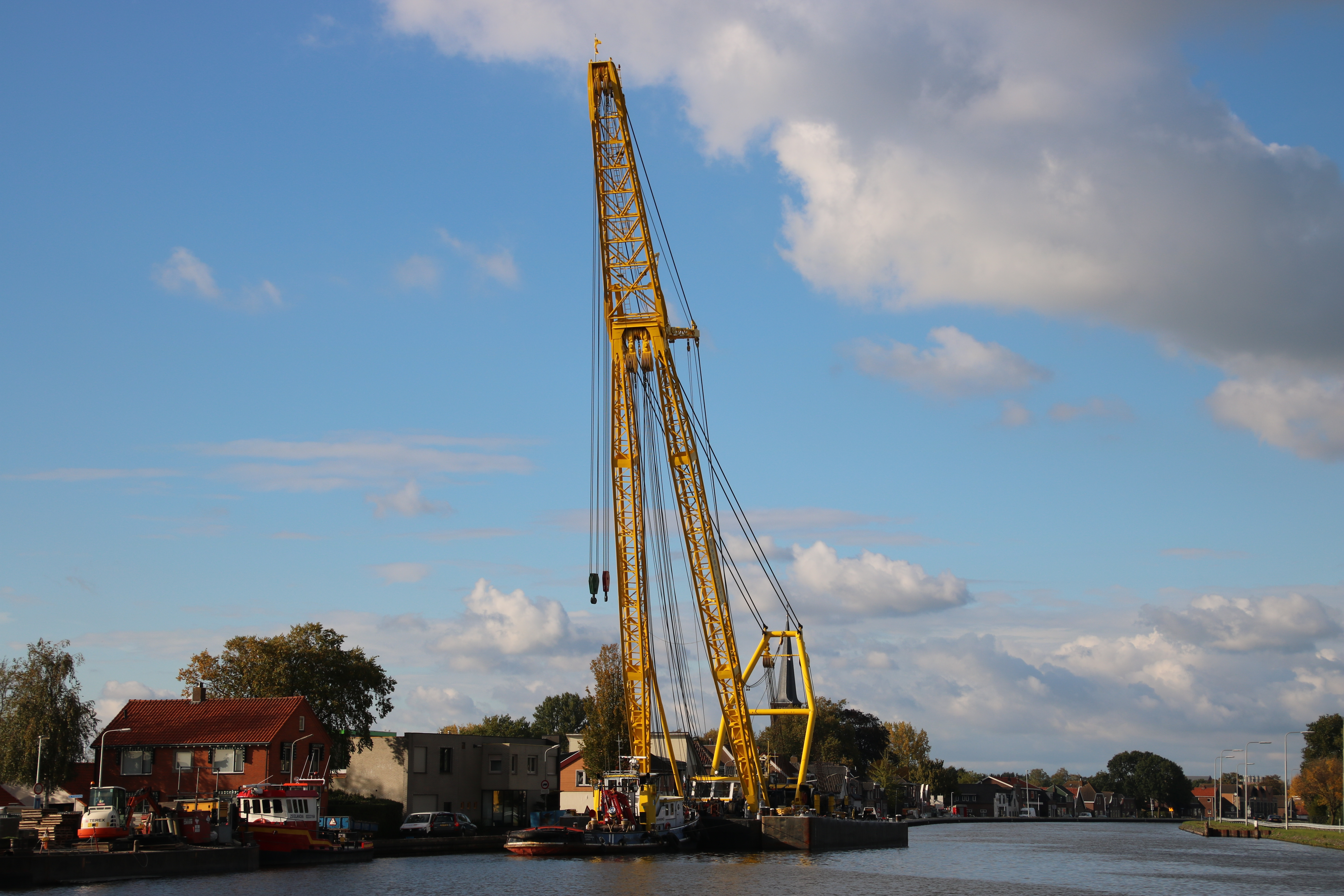 Catharina 7  & Hebolift 5 afgemeerd in Waddinxveen