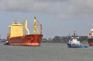 Fairplay-21 & Smit Ebro met Atlantic Pioneer