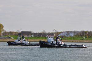 SMIT NICOBAR met BOABARGE 44 naar zee