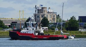 SMIT EBRO & FAIRPLAY-21 t.h.v Maassluis 26-7-2017