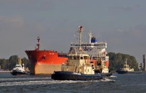 Sleepboten op het Noordzeekanaal