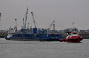 Hunter met SB8422 naar Rotterdam