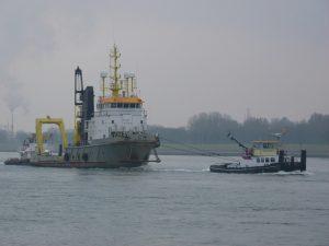 Transporten SMIT ORCA en de TAKLIFT 6
