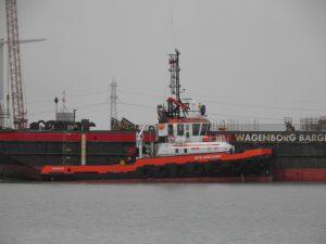 MTS Vanquish met Wagenborg Barge 7