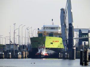 WATERPOORT en WATERLELIE met casco onderweg naar Hoogezand.