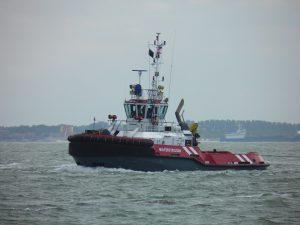 Waterstroom met Wagenborg Barge 9