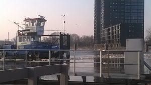 Anna 7 ijs breken op het Eemskanaal