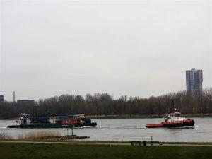 Gespot op de Oude Maas – MTS VANQUISHmet de SKYLINE BARGE 22 en stuurboot WALVIS