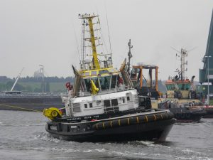 CRT Multratug 32 & Tug 43 with Baltic Commander I