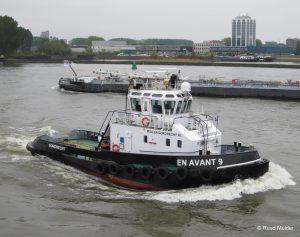 EN AVANT 9 op de Nieuwe Maas.