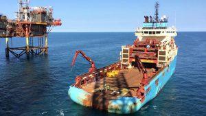 AHTS Maersk Lancer ankers aan het zetten voor de Ensco 92.