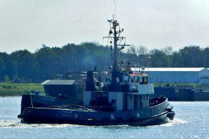 BOKA FALCON, HUNTER, BROEDERTROUW 4 en CYKLOP met casco YN 571799.