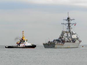 Multratug 28 & Multratug 1 met USS Ramage DDG-61