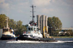 EN AVANT 1 en POLLUX met GEOQUIP SPEER naar DAMEN Amsterdam