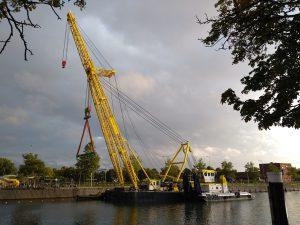 Hebo Maritiem gaat Stationsbrug verwijderen voor renovatie