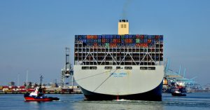 VB HUDSON en SD REBEL met OOCL JAPAN
