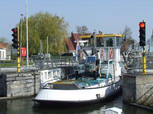 BOBO met ponton DN 122