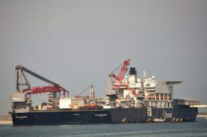 Pioneering Spirit, Smit Waalhaven7, Veerhaven X