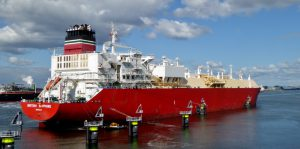 Afmeren van de LNG tanker BRITISH SAPPHIRE (vervolg)