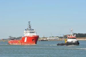 Sea Juliett met VOS Prominence, MTS Viscount met VOS Power