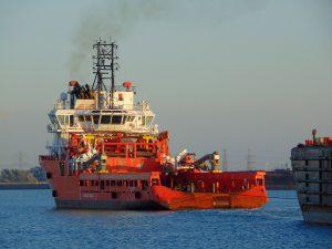 AH Varazze met barge H-627