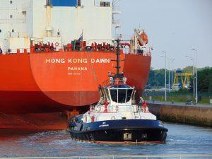 Tug 50, Tug 51 & Tug 40 met Hong Kong Dawn
