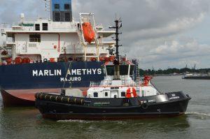Tug 50 & Tug 52 met Marlin Amethyst