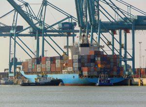 Multratug 31 & Fairplay XIV met Maersk Palermo